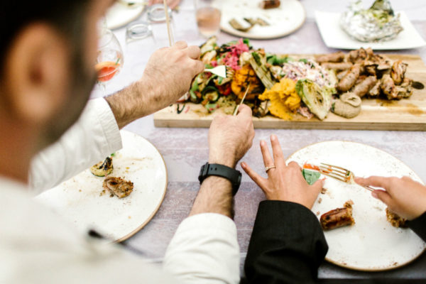 Trouwdiner shared dining - foto: Amanda Drost
