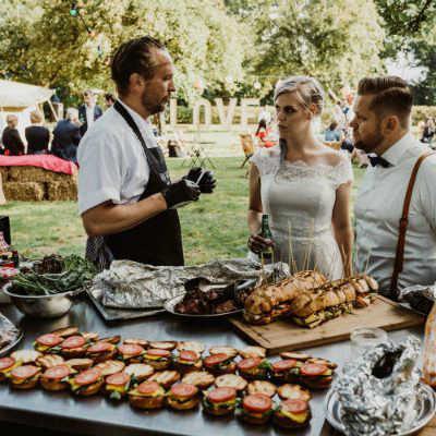 BBQ-catering op een bruiloft